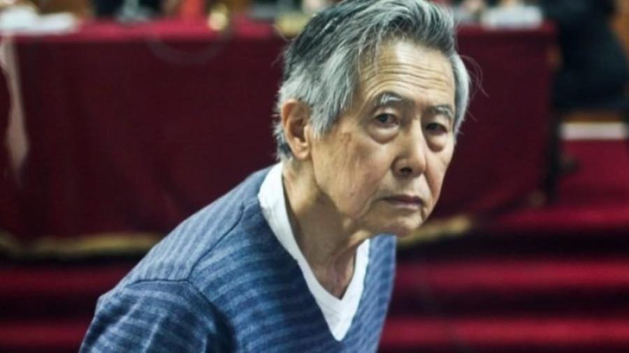 Hospitalizan a Alberto Fujimori por complicaciones estomacales