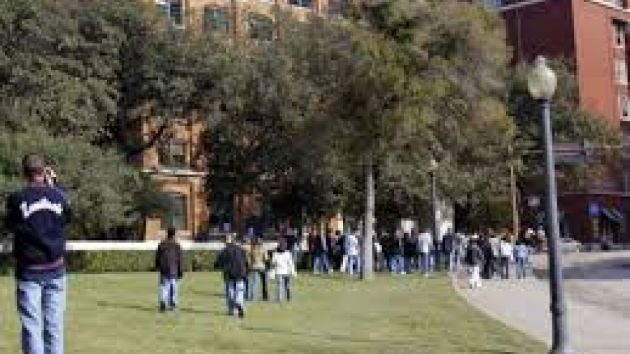 "Legisladores de Texas buscan aprobar iniciativa para ""blindar"" escuelas"