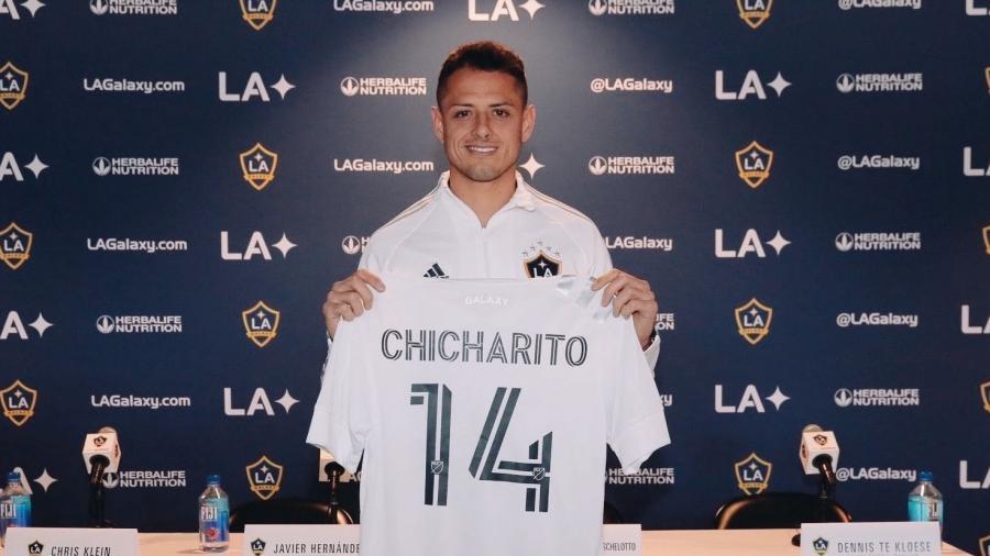 'Chicharito' es presentado con LA Galaxy