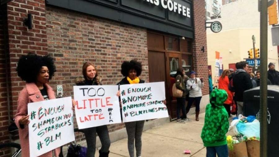 Protestas en Starbucks por caso de hombre de color detenidos
