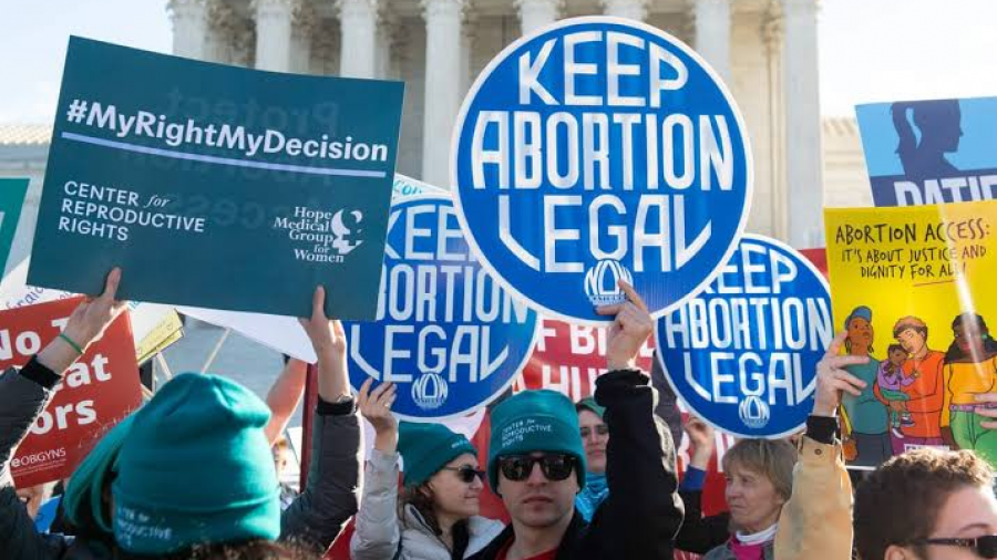 Texanas que buscan un aborto serán protegidas por Departamento de Justicia
