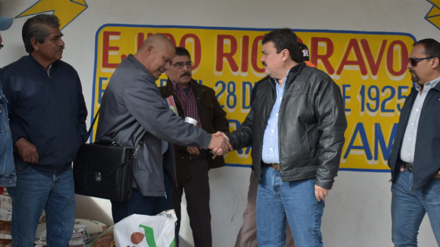 Reciben agricultores del Ejido Río Bravo semilla sin costo