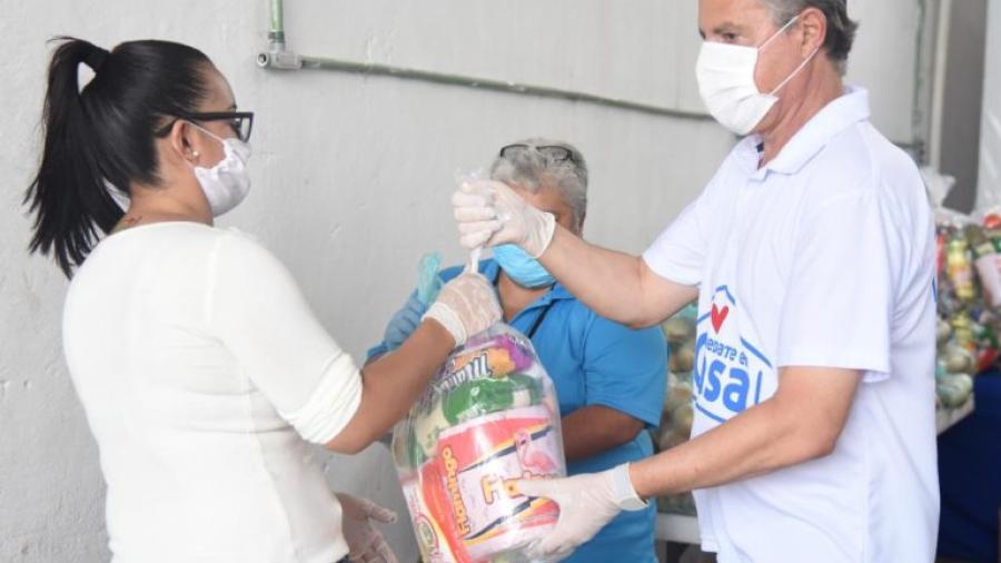 Brinda Chucho Nader apoyo alimentario a despicadoras
