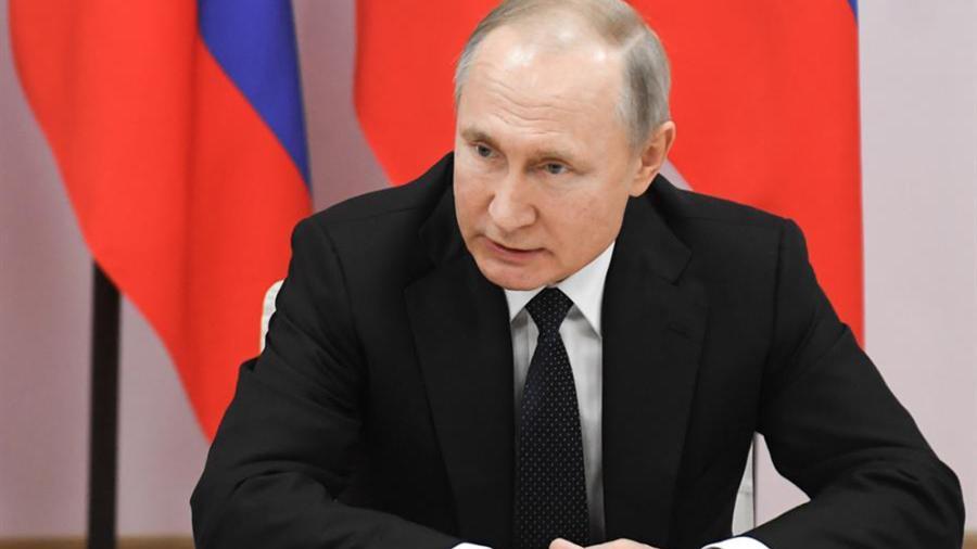 Propone Vladimir Putin a jefe de impuestos como primer ministro