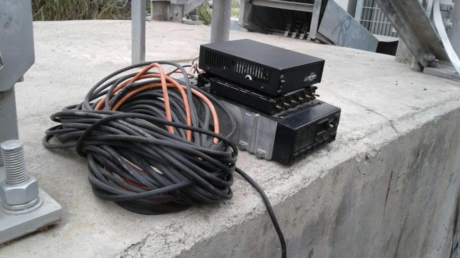 Desmantelan antena de radiocomunicación ilegal