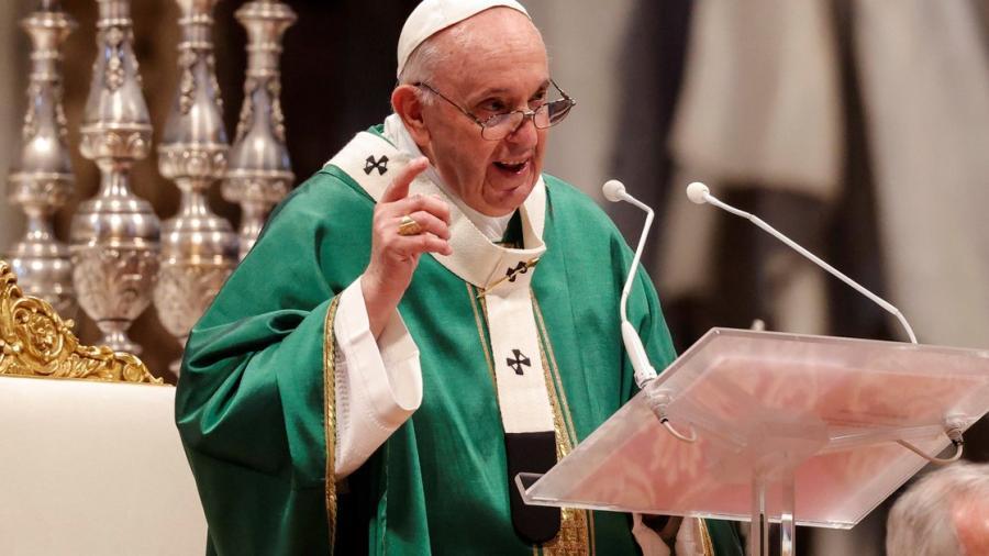 El papa propone una Iglesia próxima a la realidad en la apertura del Sínodo