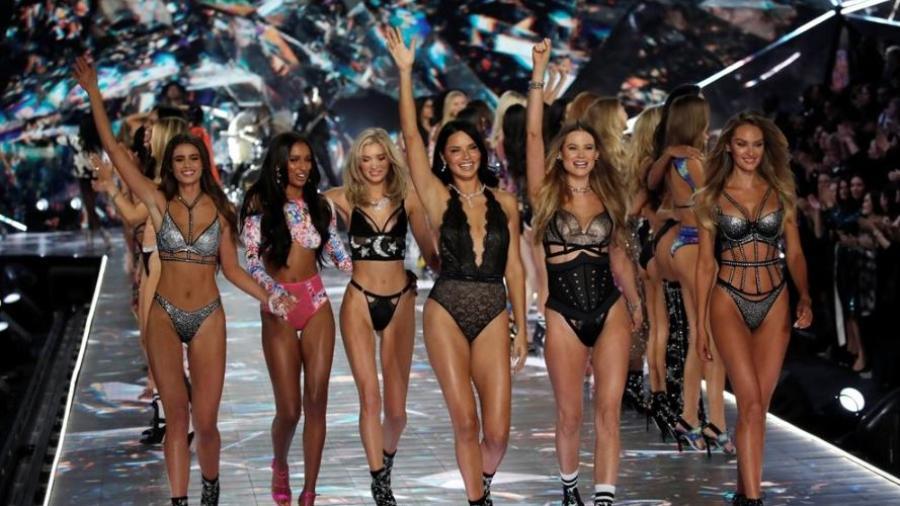 Los looks de los ángeles de Victoria's Secret de este año
