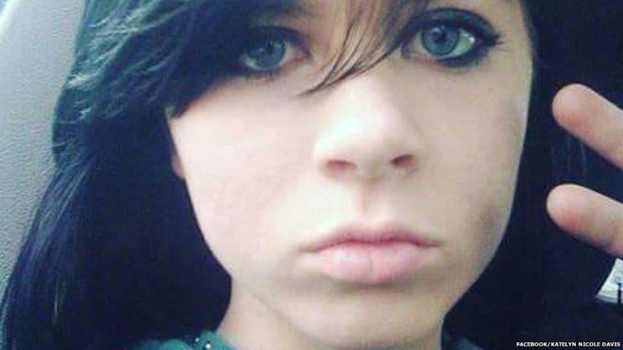 Jovencita de 12 años transmitió su suicidio y el video continúa en la red
