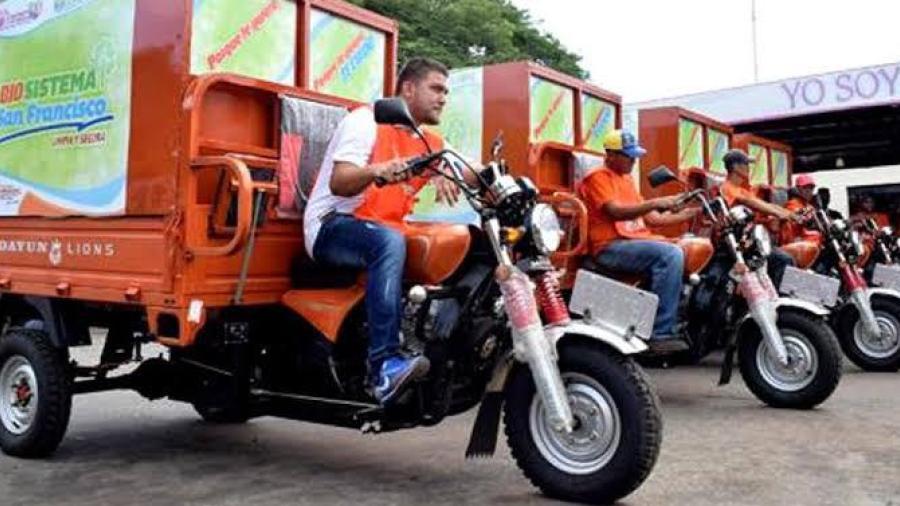 Entregará Alcalde motocicletas, camionetas y camiones para recolección de basura