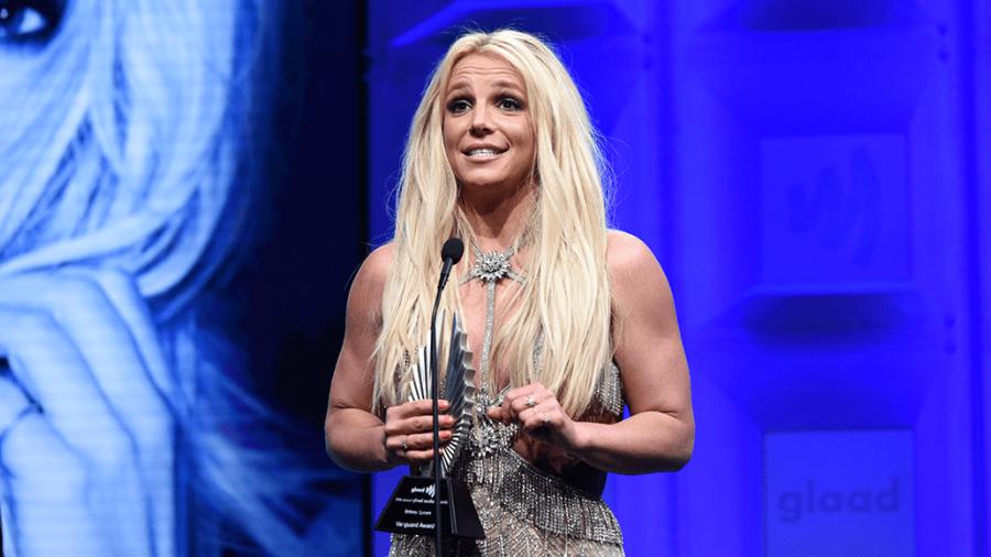 Britney pide a la Corte terminar tutela de su padre