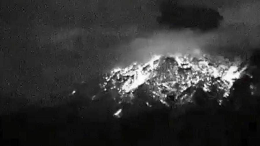 Popocatépetl amanece con actividad