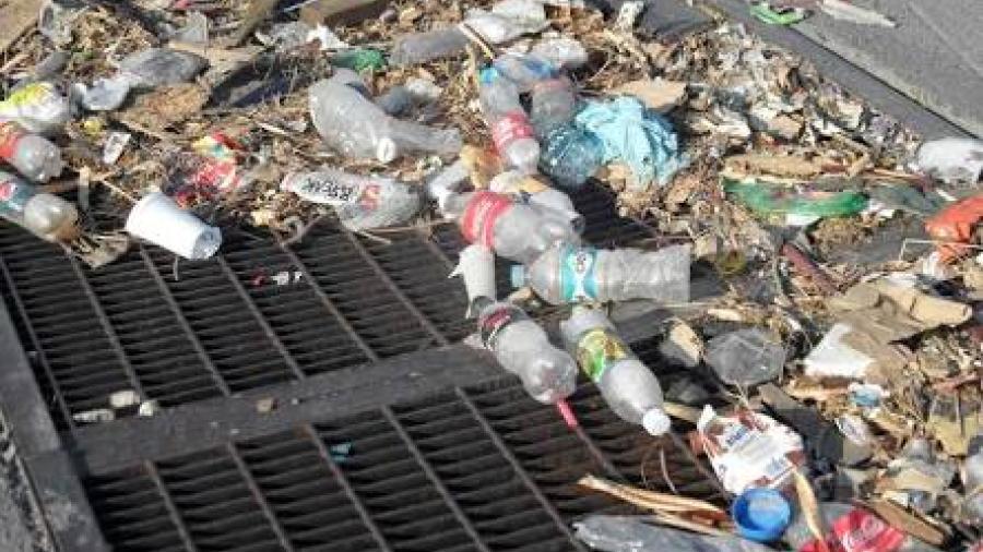 Recomienda PC resguardar la basura para evitar taponamientos en las alcantarillas