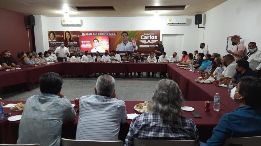 Se reúne Marco Gallegos con líderes del magisterio