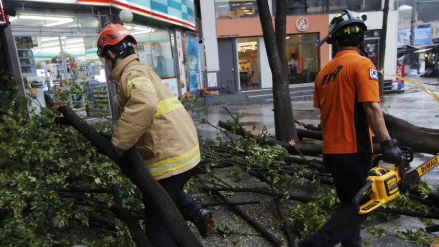 Tifón Lingling deja 2 muertos y a miles sin luz en Corea del Sur