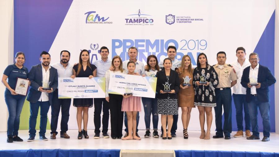 Premia alcalde de Tampico a los deportistas más destacados de Tampico