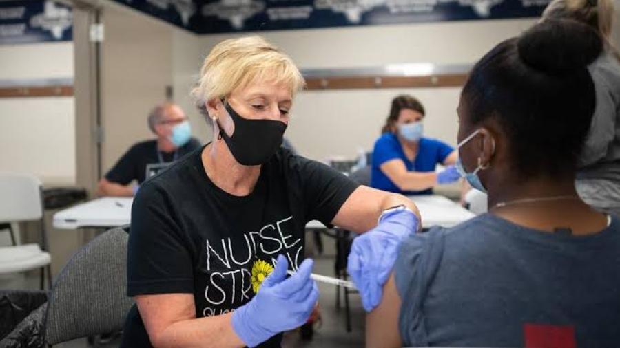 Mission CISD sigue invitando a vacunarse contra el COVID-19