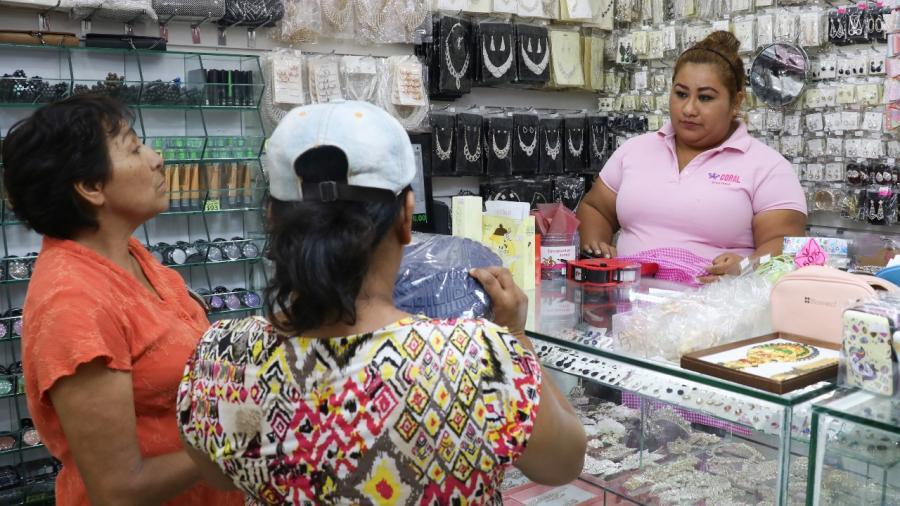 Ayuntamiento de Madero gestiona apoyos a Jefas de Familias