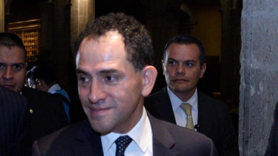 Arturo Herrera niega reunión con Meade