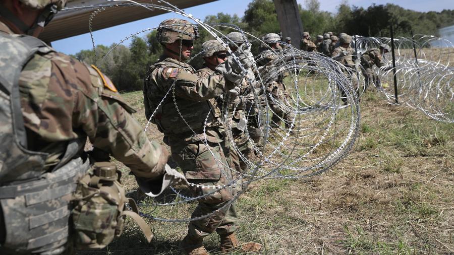 Soldados estadounidenses desplegados en frontera con México serán condecorados
