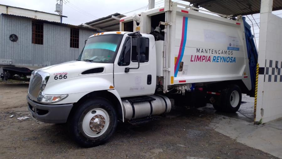 Desinfecta Municipio camiones recolectores evitando riesgos sanitarios