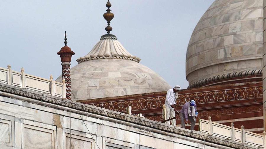 13 muertos y daños al Taj Mahal es el saldo de las lluvias en India