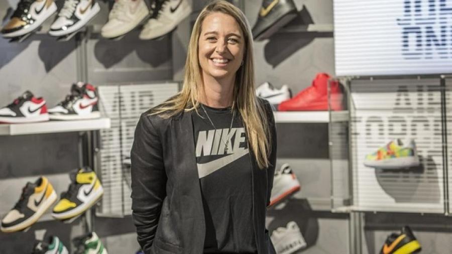 Vicepresidenta de Nike deja la compañía por polémica de reventa de tenis