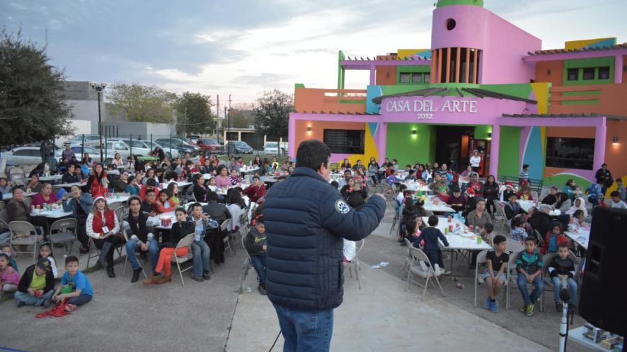 Más de 200 alumnos del Centro de Arte y Cultura celebraron posada navideña