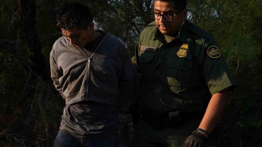 Despiden a policía de Arizona por uso excesivo de fuerza