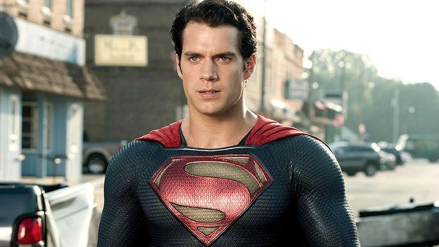 Henry Cavill desmiente exigencias para seguir siendo Superman