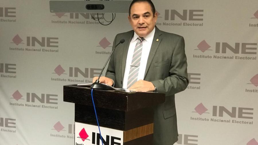 Renuncia Eduardo Trujillo al INE