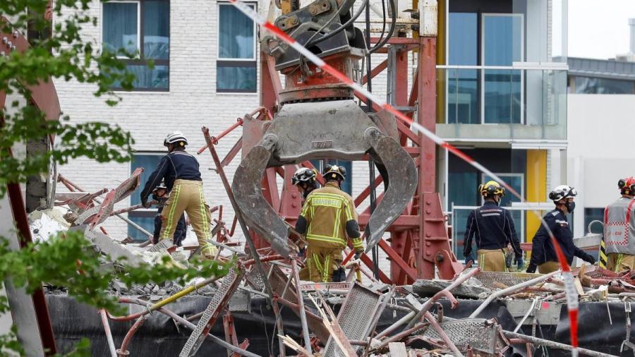 Derrumbe en una escuela en construcción en Bélgica deja 5 muertos