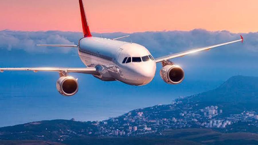 Comercio semifijo en ceros y se han cancelado 60 vuelos por Covid-19: Turismo