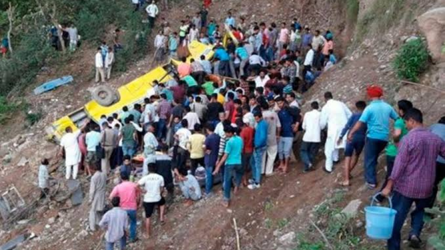 Mueren 29 personas en accidente de tránsito en la India