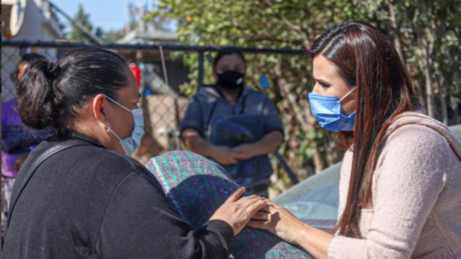 Apoya municipio con cobijas a familias vulnerables de Nuevo Laredo