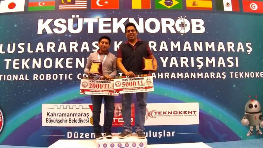 Ganan estudiantes veracruzanos concurso de robótica en Turquía