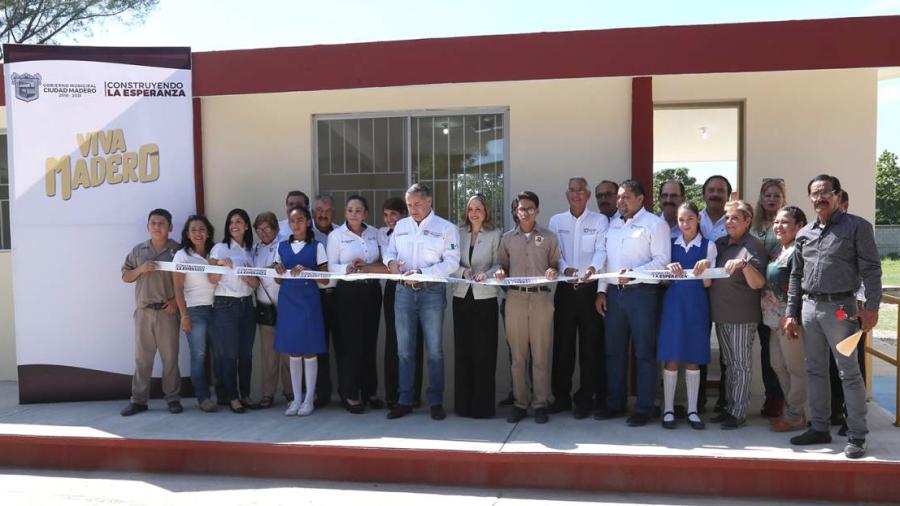 Inauguran comedor en la secundaria general No. 4 Lázaro Cárdenas