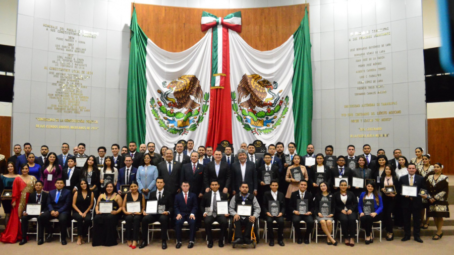 Tamaulipas otorga máximo reconocimiento a la juventud