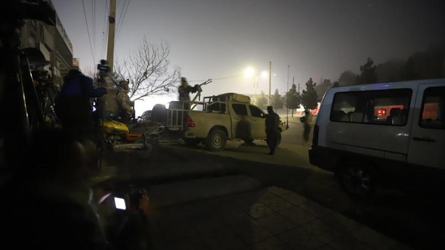 Hombres armados atacan hotel de lujo en Kabul y deja varios muertos