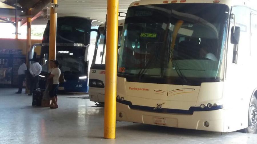 Se registra explosión de autobús en Michoacán