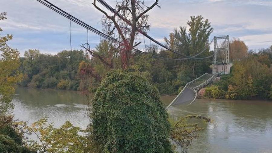 Colapsa puente colgante en Francia