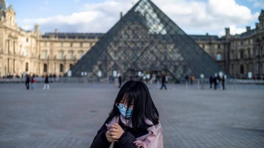 Francia supera millón de contagios por COVID-19