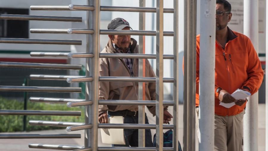 94 migrantes regresan a México mientras se tramita su asilo en EU