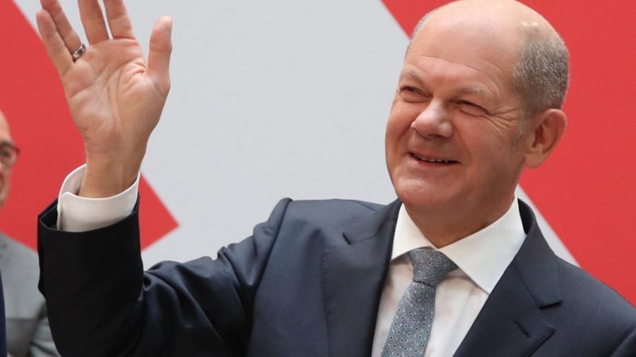 Aventaja Olaf Scholz para suceder a Angela Merkel tras elecciones