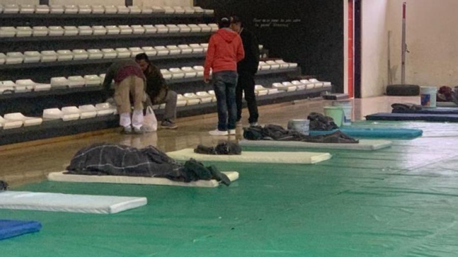"""Por onda gélida recibe PC a 17 personas en el refugio habilitado en deportivo """"Ing. Eduardo Chávez"""""""