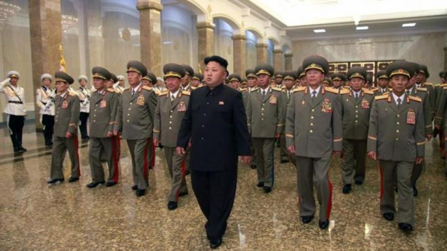 Visita Kim mausoleo por aniversario de muerte del fundador de norcorea