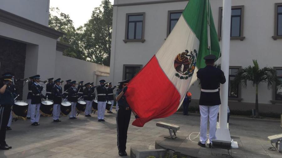 Conmemoran el aniversario de la promulgación de la Constitución Política Mexicana.