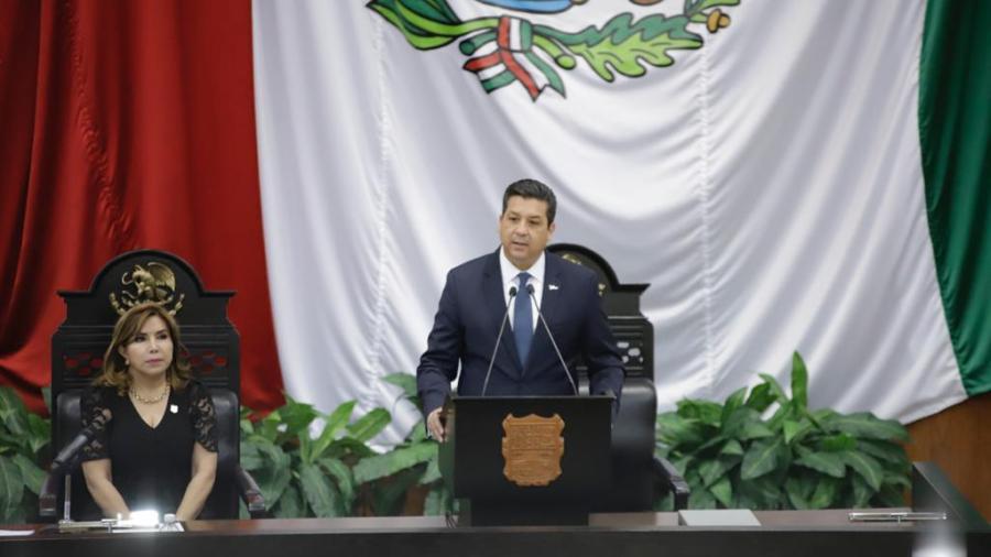 Entrega gobernador 4to Informe y desmiente rumores de retirarse de su encargo