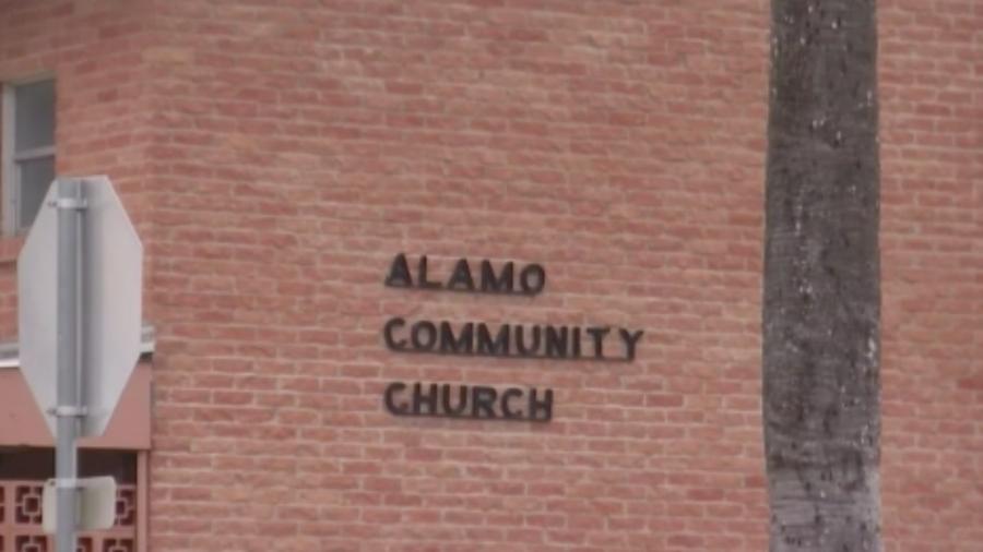 Iglesia Alamo Community Church  ofrece clases de ciudadanía a bajo costo