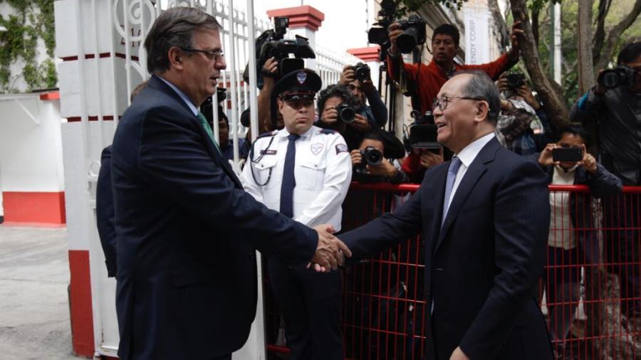 Visita  embajador de China a  AMLO