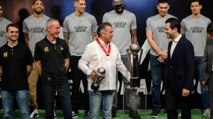Fuerza Regia exhibirá trofeo en la Macroplaza de Mty